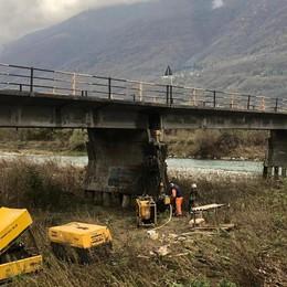 Traona, ponte sull'Adda chiuso per i controlli