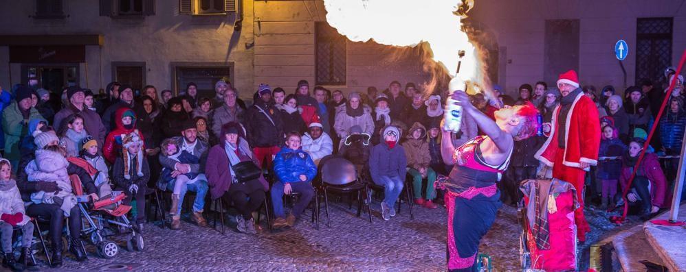 Morbegno, torna il Capodanno in piazza San Giovanni. Ed è dominato dai Kiss