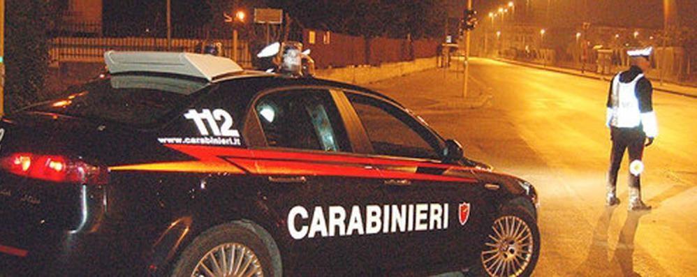 Arrestato: in auto abiti rubati  e diversi attrezzi per lo scasso