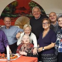 Grande festa alla Corti Nemesio  Desolina ha spento 101 candeline