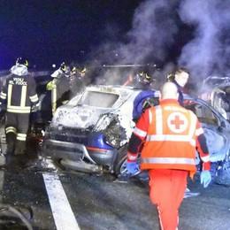 Strage sull'asfalto, la Procura:   «La Panda con a bordo 5 delle 6 vittime   ha effettuato sorpassi azzardati»