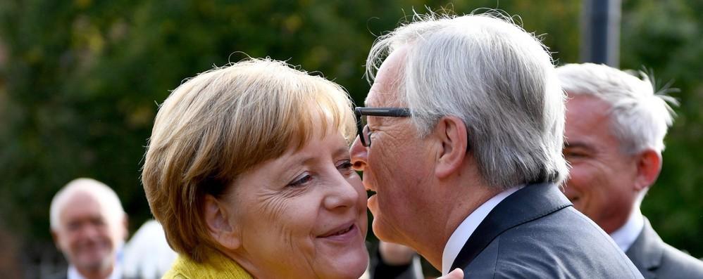 Juncker da Merkel, contatti anche con Gentiloni per summit Ue
