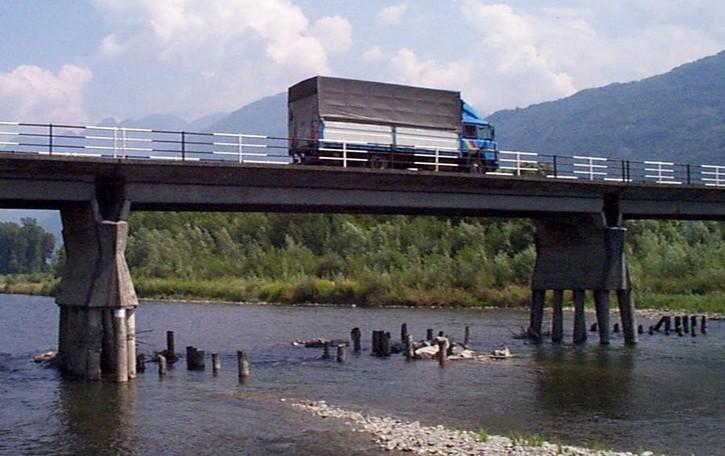 Ponte sull'Adda, Della Bitta non cede  «Troppo un anno e mezzo di cantiere»