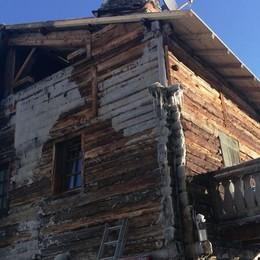 «Casa bruciata, la vicinanza di tutto il paese mi dà forza»