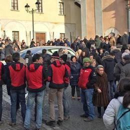 Una folla per l'addio a Tarantola