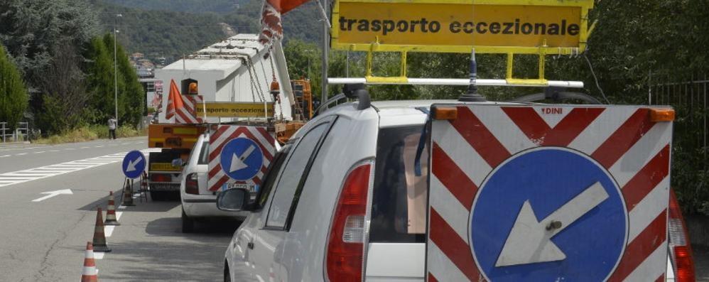 """Trasporto eccezionale, da Andalo a Premadio un """"mostro"""" in strada"""
