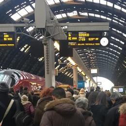 Altra giornata nera sui treni  E oggi c'è anche lo sciopero