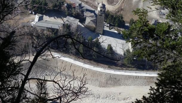 Santuario Gallivaggio   trasloco in vista per statue e tele