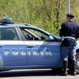 Istruttore di guida non si ferma all'alt della Polstrada, denunciato e multato