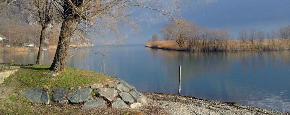 Il lago è balneabile, lo dicono le analisi  «Tutto nella norma»