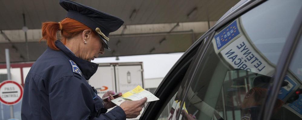 Schengen: Parigi prolunga controlli di altri sei mesi