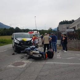 Berbenno, scontro tra autocarro e moto  Giovane in prognosi riservata