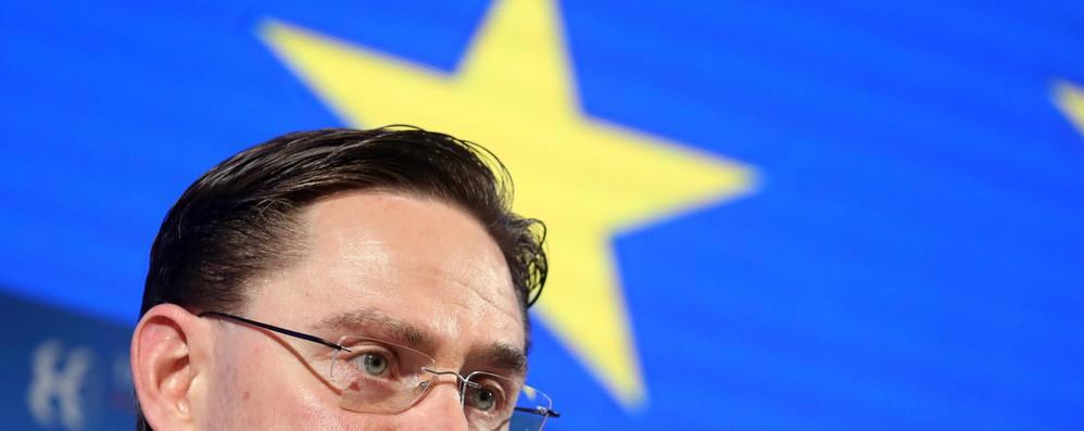 Ue propone nuovo piano investimenti garantito da bilancio