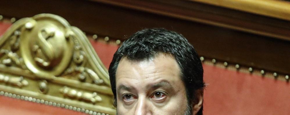 Migranti: Toia (Pd), Salvini decida con chi sta
