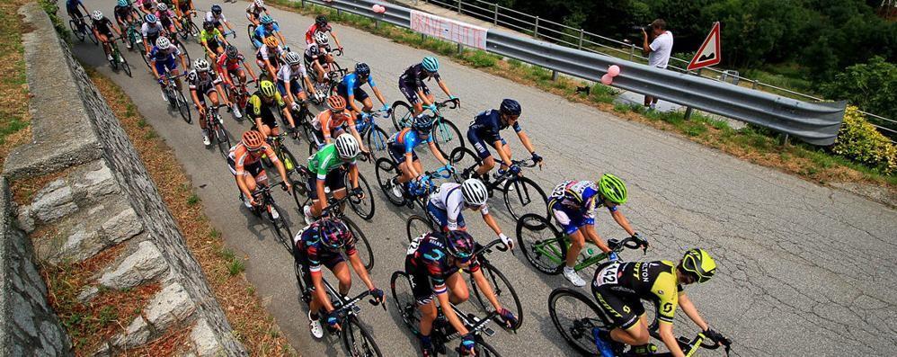 Ciclismo, successo australiano nella tappa del Giro a Gerola Alta