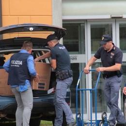 Arresti e sequestri all'alba  Diciannove perquisizioni