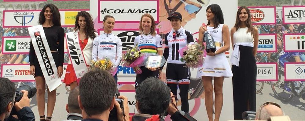 Ciclismo, la campionessa del mondo trionfa nella tappa di Lanzada