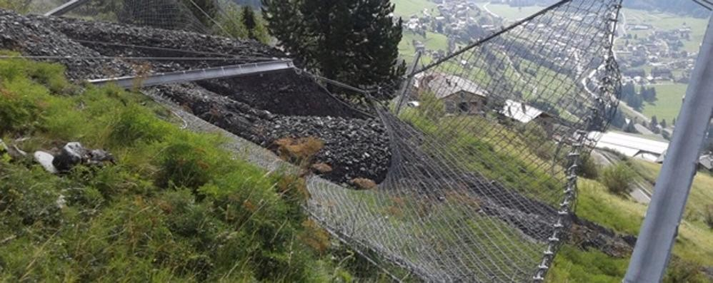 Grosso smottamento in zona Pedenosso  Venti persone evacuate