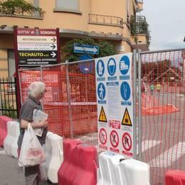 Sondrio, via Nani chiusa per lavori  «Bus navetta per i residenti»