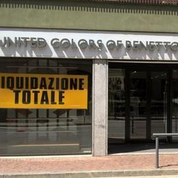 Morbegno, in via Fabani chiude Benetton
