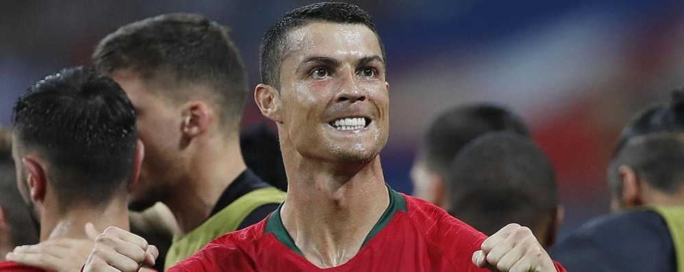 """Cristiano Ronaldo """"firma""""  per l'Avis di Bellano"""