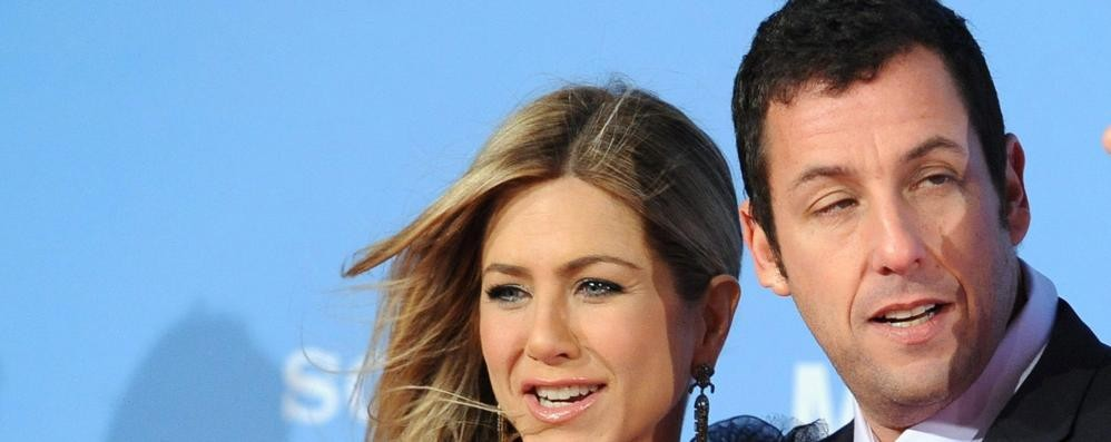 Netflix sceglie le location di Lariowood  Film con Jennifer Aniston e Adam Sandler