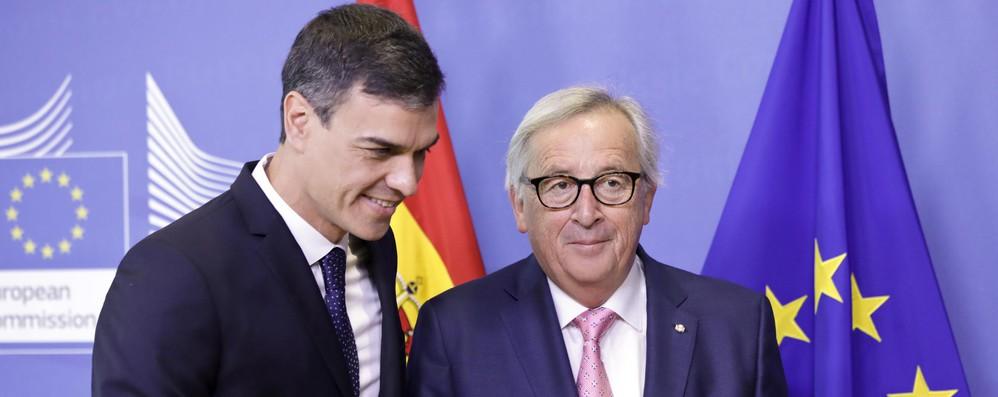 Migranti: Juncker a Sanchez, risorse limitate ma impegnati