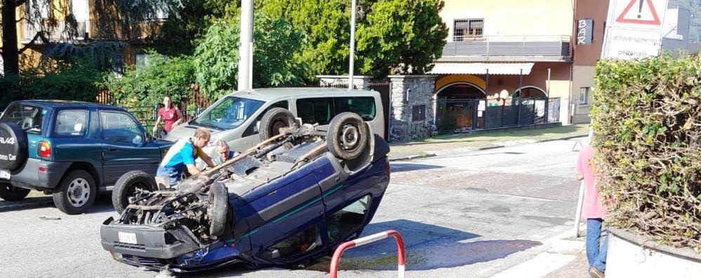 Morbegno, automobile si ribalta: ragazza in ospedale