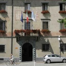 Nuovo posteggio in via Gianoli a Sondrio: «Più posti per le auto nelle frazioni»