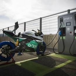 Arrivano cinque colonnine  per auto e moto elettriche