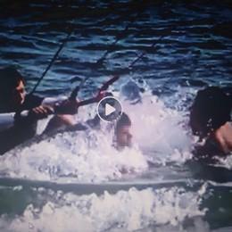 Dervio, Kite surf atterra su un bambino  Paura e polemiche in spiaggia