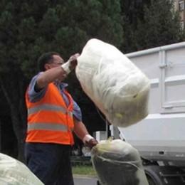 «Rifiuti, differenziata ferma al palo in Valle». L'accusa in Provincia