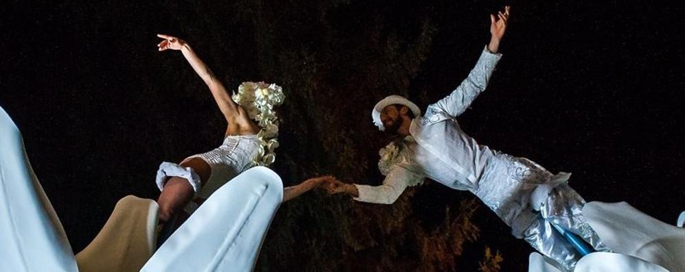 A Tirano le danze aeree di Elementz Art  Per salutare l'anno con leggerezza