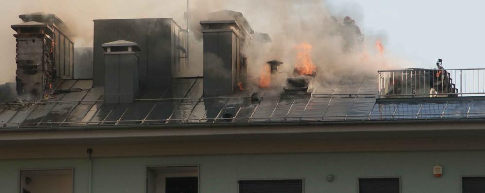 Incendio a Sondrio, ipotesi cattivo funzionamento di una canna fumaria