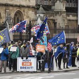 Brexit: giorno del giudizio per accordo May, governo riunito