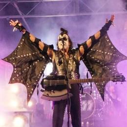 Morbegno, in duemila in piazza per salutare il 2019 con il rock dei Kiss