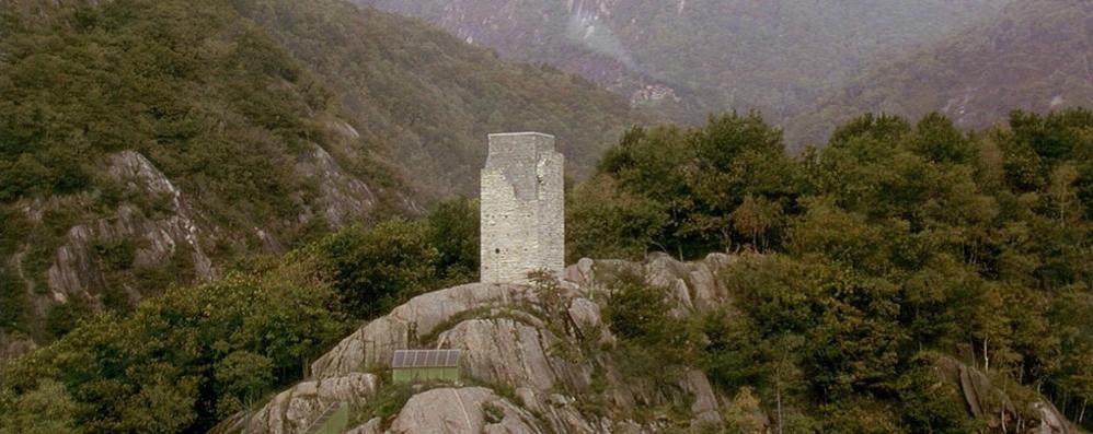 Gita in montagna finita in tragedia  Scivola in un dirupo e perde la vita