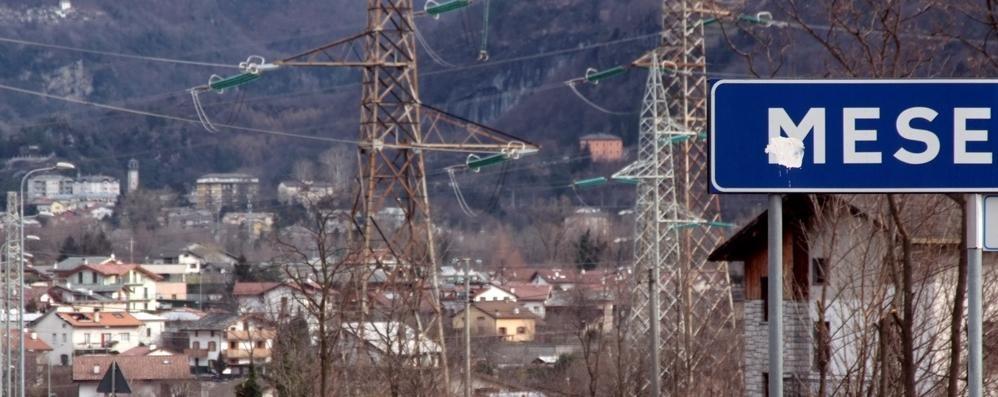 «La Trivulzia poco sicura per i pedoni  Ponte sul Liro: manca il guardrail»