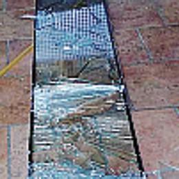 Vandalismi a 1.100 metri, colpita la baita all'alpe Rosa