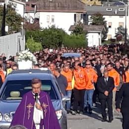 Ardenno, folla commossa ai funerali di Matteo e Mariagrazia