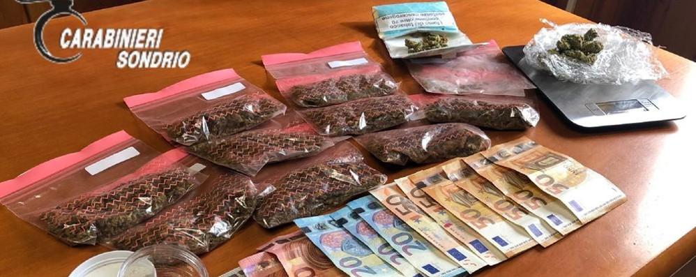 Trovato con la marijuana dai carabinieri finisce in manette
