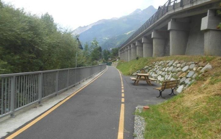 Sentiero Valtellina, con tre interventi da Bormio si va a Colico