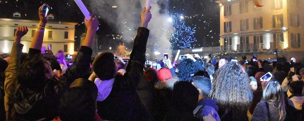 Capodanno di festa, tutti in piazza a Sondrio: brindisi sì, botti no