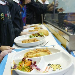 Mensa scolastica, istituita commissione  «Ne faranno parte anche i genitori»
