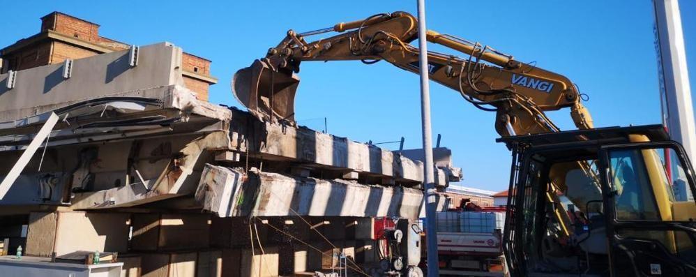 Ponte di Genova da demolire  Edil taglio tra le ditte all'opera