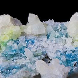 Bormio, l'uomo dei cristalli svela i suoi tesori