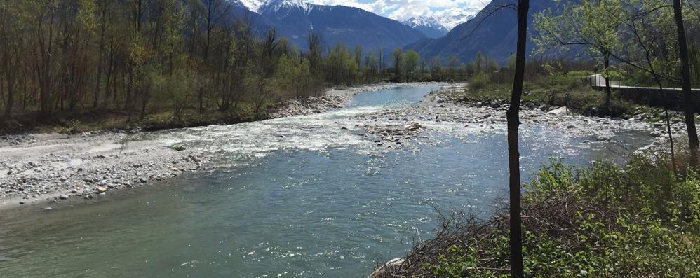 Pericolo esondazioni nel fiume Mera  Uno studio definisce le aree a rischio
