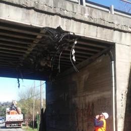 Carimate, lesionato cavalcavia  Novedratese chiusa tre mesi Caos per traffico e residenti