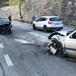 Scontro sulla 37 a Piuro: danni ingenti e feriti lievi