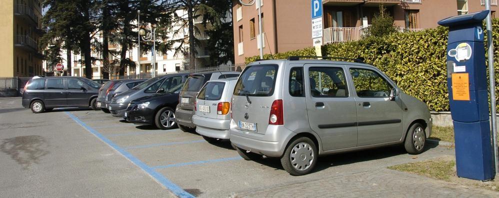 Morbegno, nuove tariffe per i parcheggi